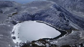 6frozen_pond